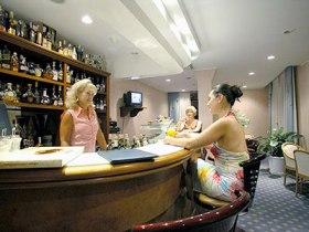 Итальянские бармены проверят посетителей алкотестерами