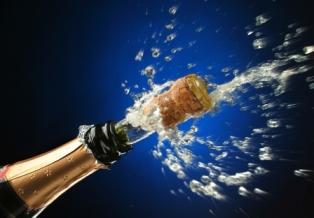 Remy Cointreau продает производство шампанского