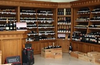 «Ашан» думает  о создании сети винных бутиков