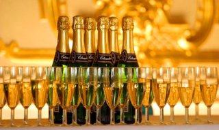 10 млн бутылок шампанского к праздникам