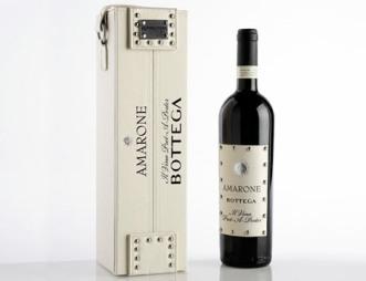 Кожа, заклепки и вино