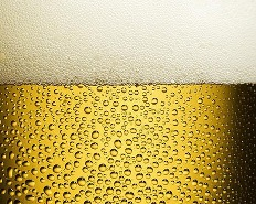 В Баварии с пивоварни прорвался пивной фонтан высотой 30 м