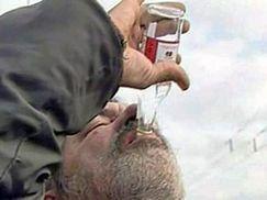 Запрет на продажи крепкого алкоголя привел к массовым смертям