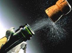 Пенсионер отсудил 60 тыс. руб. за взрыв шампанского в Metro