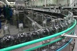 Крупнейший производитель алкоголя Литвы приостановил работу