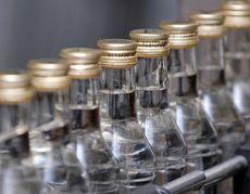 Меры по борьбе с водкой понижают прогнозы продаж: Bloomberg Businessweek