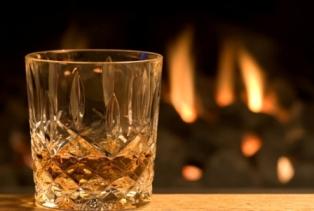 Производство крепкого алкоголя после кризиса продолжило сокращаться