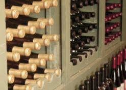 Роспотребнадзор в 2011 году забраковал 16 партий вина и коньяка из Молдавии