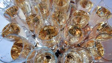 По делу о законности оборота шампанского Cristal пройдет эксперт