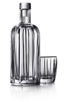 Absolut представляет «полосатую» хрустальную бутылку