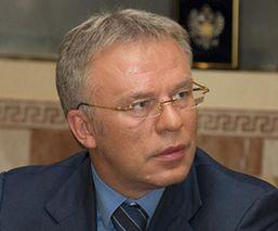 В.Фетисов предложил запретить продавать алкоголь лицам моложе 21 года