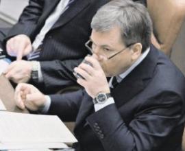 Росалкоголь займется уничтожением нелегального спиртного