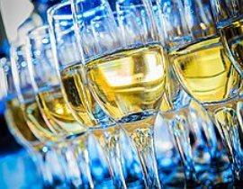 Украинские депутаты признали вино