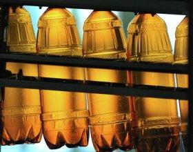 Алкоголь в объемной пластиковой таре уйдет с прилавков в РФ до 2016 г