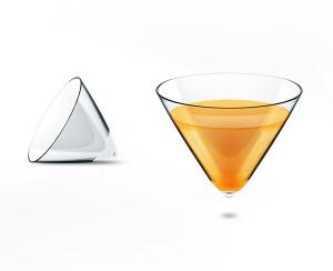 В треугольную бутылку разливается польская водка Starka. ФОТО