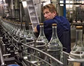 Производство главного напитка России в 2014 году пережило небывалое падение