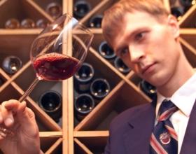Вина и коньяки из отечественного сырья выделят особыми марками