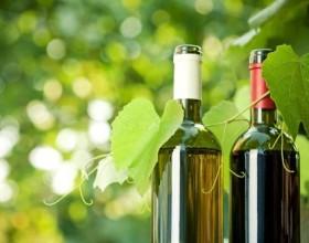 Севастопольский винзавод запустил новую торговую марку игристого вина «Крымский бриз»