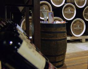 Минимальная цена на шампанское составит 115 руб, на вино - 80 руб