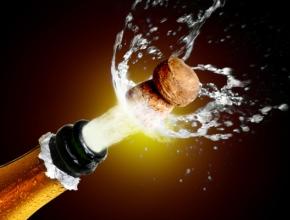 К Новому году власти определят новую стоимость шампанского