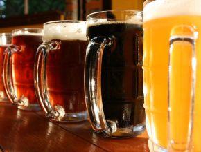 Названы самые популярные алкогольные напитки в России