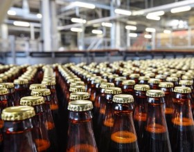 Россия увеличила выпуск пива и сигарет