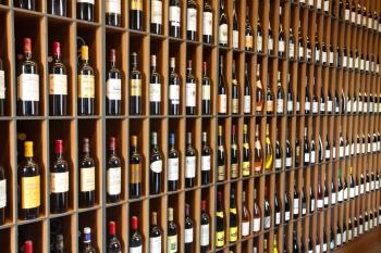 SimpleWine – новое имя сети винотек Grand Cru