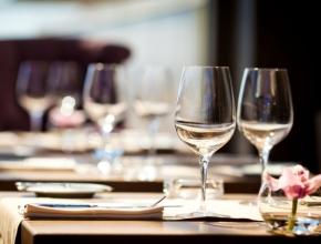 Оборот ресторанов в России в августе сократился на 3,5% - Росстат