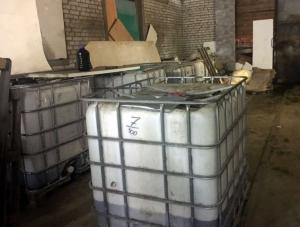 РАР: Три подпольных цеха по производству алкоголя обнаружены в Санкт-Петербурге. ФОТО (ОБЗОР СМИ по теме)
