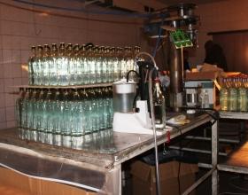 В 15 областях Украины прошли обыски на производящих алкоголь заводах