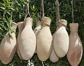 Археологи на Сицилии обнаружили самое древнее вино в мире