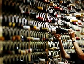 Таможня определила задолженность импортеров вина перед бюджетом