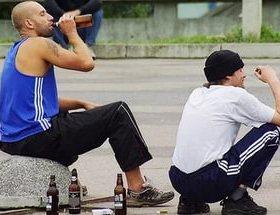 Рижский отрыв. Латвию штурмуют любители выпить и побегать без штанов