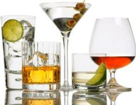 Что и сколько пьют мужчины и женщины в России
