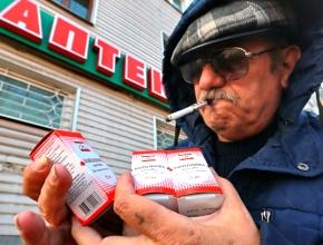 """Валентин Астахов: """"Спрос на суррогатный алкоголь подстегивает низкая покупательская способность населения"""""""