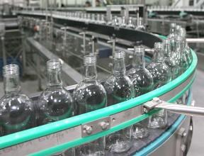 Холодное лето подстегнуло производство крепкого алкоголя