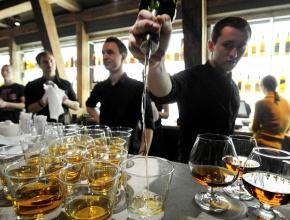 В Оренбуржье, возможно, запретят продажу алкоголя в кафе и ресторанах после 22:00