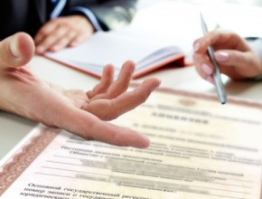 В Казахстане новый порядок уплаты платежей за пользование лицензией на реализацию алкоголя
