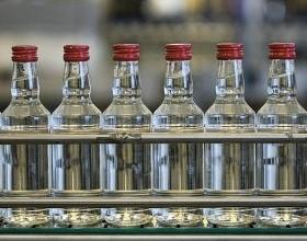 В России в 2017 году выросло производство водки и снизилось производство вина