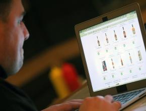 МЭР и Минфин согласовали законопроект об онлайн-продажах алкоголя в России