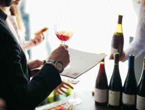 Производители и импортеры алкоголя расширяют розницу