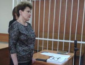 Три года условно и штраф в 100 тыс. рублей дал суд за торговлю суррогатом директору винзавода в Бердске. ВИДЕО