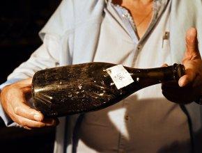 Во Франции бутылку винтажного вина 1774 года продали за 103 тысячи евро