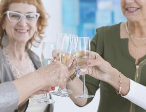 Культура пития. Минкультуры не поддержало законопроект, запрещающий продавать спиртное нетрезвым посетителям