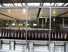 """""""Сибирское стекло"""" ввело четвертую линию по производству облегченной бутылки"""