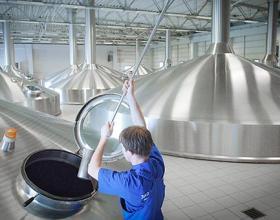 США не будет поднимать пошлины на металл для пивоваренного оборудования