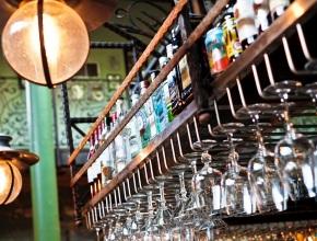 Москвичи стали реже посещать бары и клубы